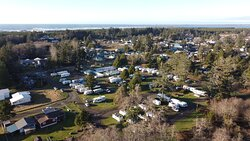 Ariel view facing west of Pacific Motel and RV in Westport, WA.