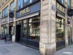 Devanture de la boutique PAUL