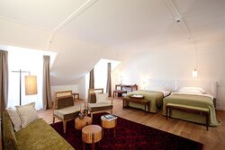 Louis Room