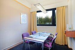Compact Marco Polo is ideal for team works and small meetings