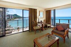 V/47 Club Diamond Head Oceanfront Suite
