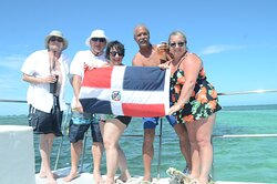 Best vacay and entertainment staff @ Alexander de la Cruz