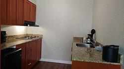 2 Queen bed suite kitchenette