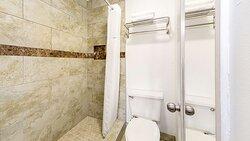 MH HotelBradenton Bradenton FL Guestroom King