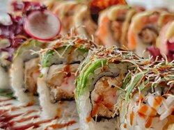 Maki dragon roll
