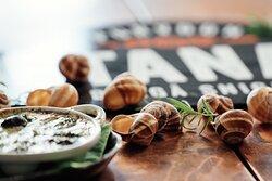 Aspersa Maxima Snails w/ Garlic&Roquefort