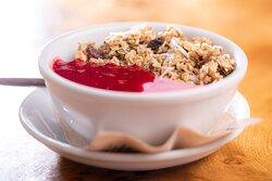 Phoenix Granola Pot (vegan & gluten-free). A delicious way to start a day!