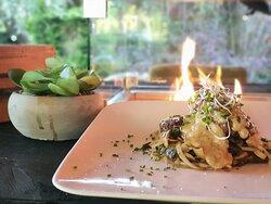 Filet mignon bij een warme tafelhaard