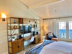 Shoreline King Room