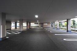 ピロティ式駐車場