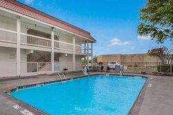 Motel Dallas Market Center Pool