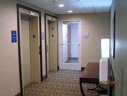 4th-floor elevator area.