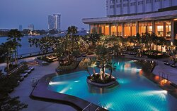 Swimming Pool - Shangri-La Wing (Night View)