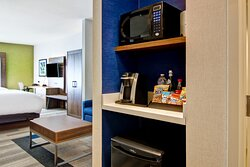 Refreshment Center - Two Queen Bed Extended Suite