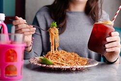 Rosa's Thai Cafe Pad Thai and iced tea