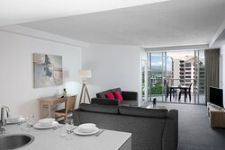 Mantra-Wings-Surfers-Paradise-1-Bedroom-Apartment-Lounge