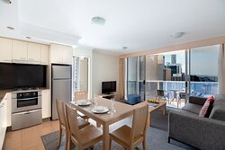 Mantra-On-Mary-Brisbane-1-Bedroom-Balcony-Apartment-Overview