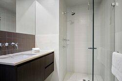 Mantra-Hindmarsh-Square-Adelaide-2-Bedroom-Suite-Queen-Queen-Bathroom