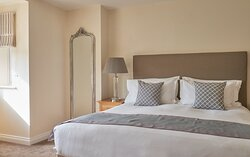 Self Catering Woodland Mews House