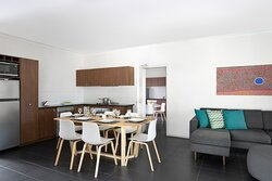 Mantra-Frangipani-Broome-Broome-Two-Bedroom-Apartment-Kitchen