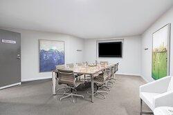 Mantra-Collins-Hotel-Hobart-Boardroom