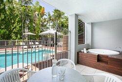 Mantra-Aqueous-Port-Douglas-Port-Douglas-1-Bedroom-Spa-Swim-Out-Apartments-Balcony