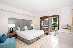 Mantra-Aqueous-Port-Douglas-Port-Douglas-Hotel-Spa-Rooms-Bedroom-Overview