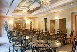 Restaurant - Royal Gardens