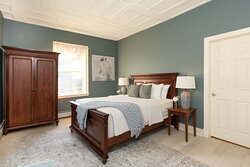 Lincoln Room- Second floor of our 1803 main house. Each room offers its own bathroom.