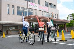 We have rental bikes available for free to all our overnight guests. There are plenty of sightseeing spots around our hotel, including temples, shrines, cafes, and our own local national treasure, Matsue Castle! Our rental bikes are one of the most convenient ways to get around to see them.レンタサイクルをご用意しております。