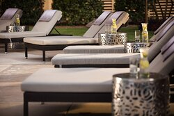 Outdoor Pool Seating