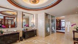 Chairman Suite Bathroom