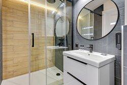 Pięcioosobowy pokój z prywatną łazienką nr 11
