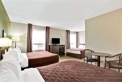 3 Queen Bed Suite