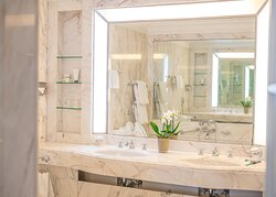 Brenners-Park-Hotel-Spa-Deluxe-Park-Bathroom