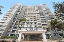 BreakFree-Beachpoint-Surfers-Paradise-Exterior-2