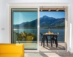 Appartamento superior, terrazza fronte lago