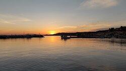 Love this sunset 🌇 nea skioni Greece 🇬🇷 fish restaurant giorgos 🌊🎣 welcome!!