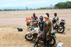 motorbike tour to Malle tribe