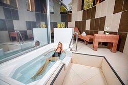 Mineral water bath