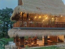 Villa Bambu Rinjani Restaurants
