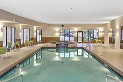 Holiday Inn Express & Suites Swimming Pool