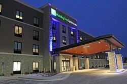 It's new, it's beautiful, it's Holiday Inn Express!