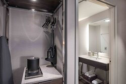 In-room amenities and modern bath