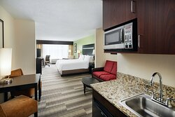 King executive with Fridge, Microwave, Free coffee and Breakfast