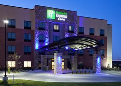 Holiday Inn Express and Suites Hotel in Fort Dodge IA. Stay Smart