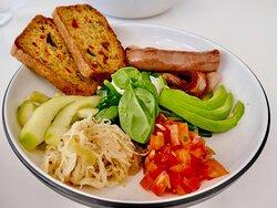 Breaky Bowl...with homemade paleo bread 💥