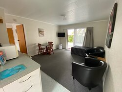 One bedroom queen with single bed in lounge