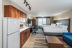 2 Queen beds Junior Suite w/apartment size fridge