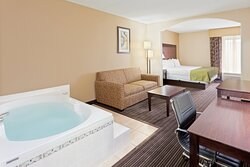 Jacuzzi Suite with over 350 sq ft of living space and kitchenette